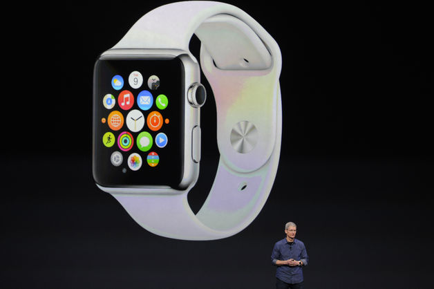 Apple unveils watch, bigger Iphones
