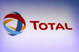 Total, firm seal new LNG charter deal