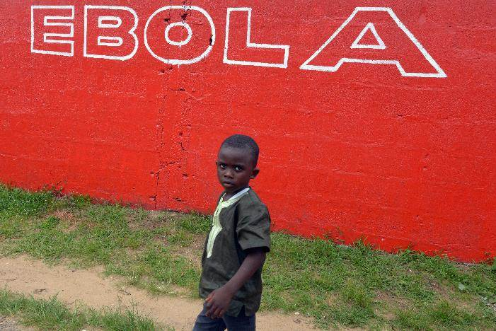 Ebola:  Americans want airlines to stop West African flights