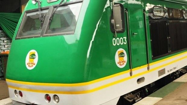 Jonathan inaugurates Gombe-kafancha-Kaduna intercity train