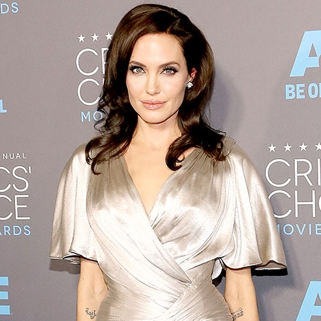 Angelina Jolie has ovaries removed due to cancer