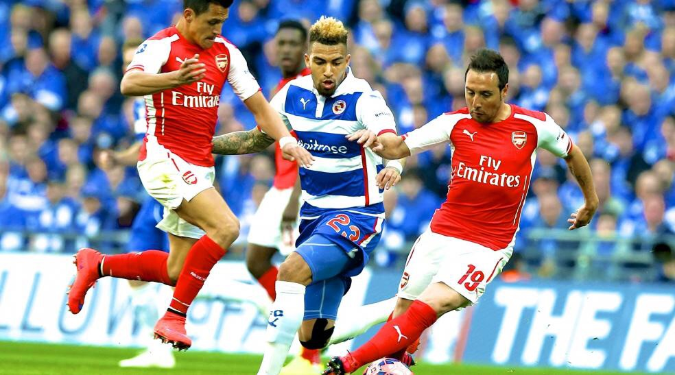 Arsenal into FA Cup final after Adam Federici howler