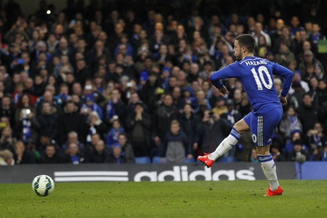 Chelsea beat  Stoke 2-1 to go seven points clear