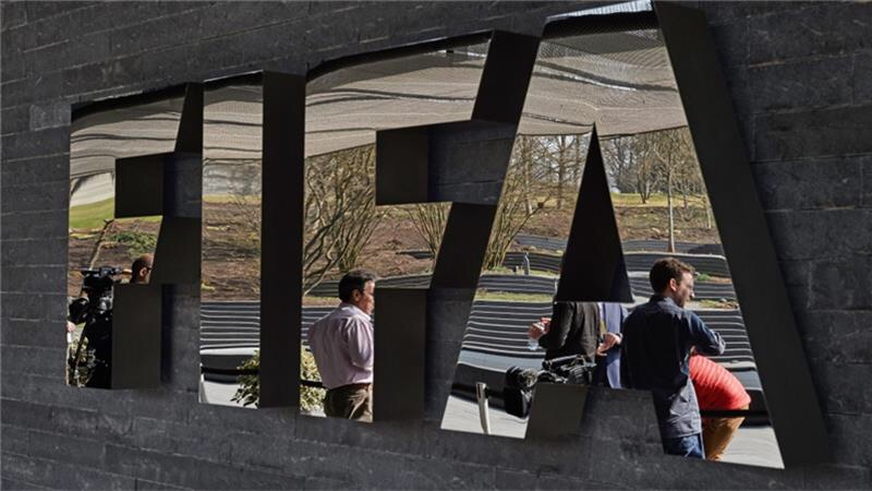 Senior FIFA officials 'arrested on corruption charges