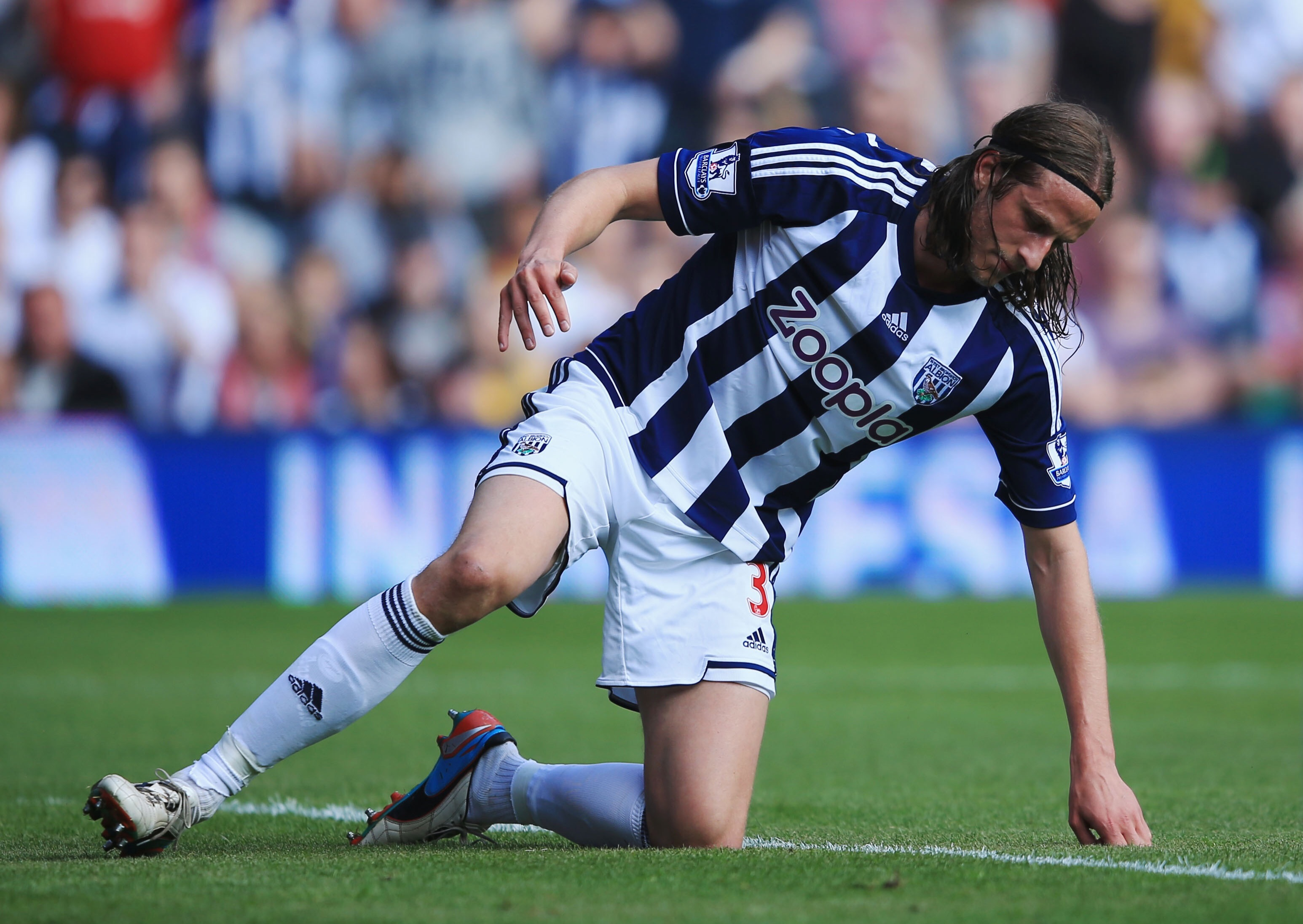 Jonas Olsson goal gives West Brom shock win at Manchester United