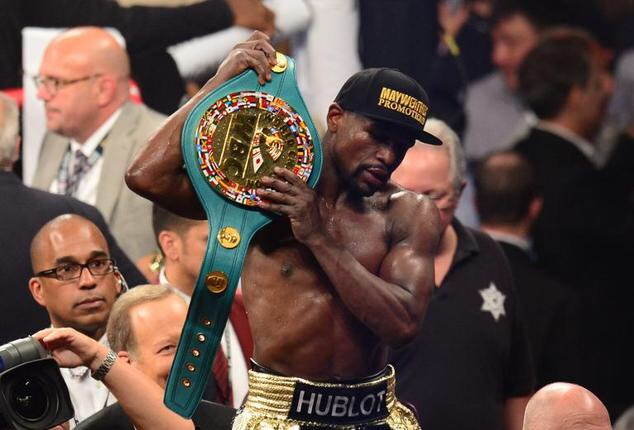 Mayweather beats Pacquiao to make it 48-0 career wins