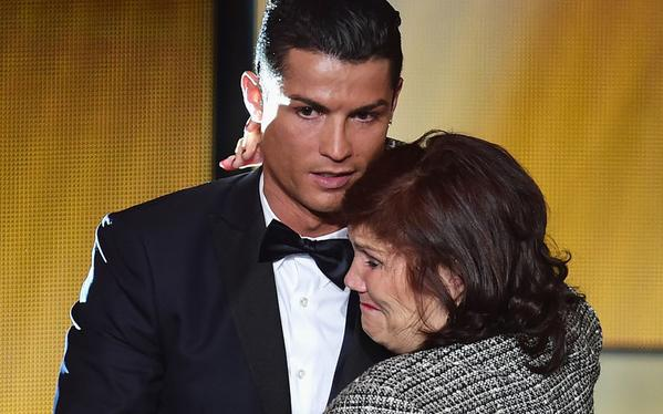 Cristiano Ronaldo's mother detained at Madrid Airport
