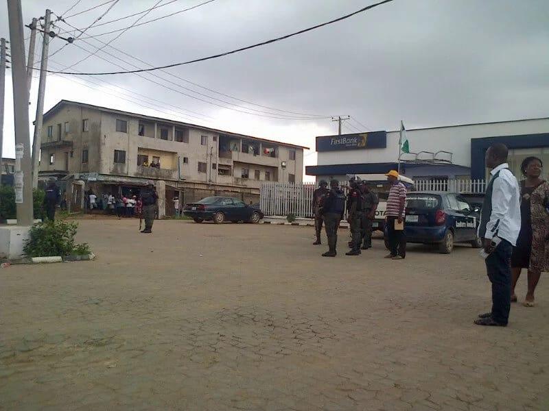 Armed robbers raid 2 banks in Ogolonto-Ikorodu, Lagos