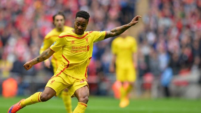Sterling, in bid to make peace, thanks Liverpool