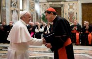 Pope frets about number of priests, nuns who quit their vocations