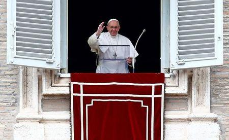 Pope to Christians: Carry your bible always, just as you carry your cell phones
