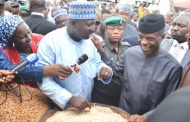 Excited traders welcome Osinbajo to Garki market