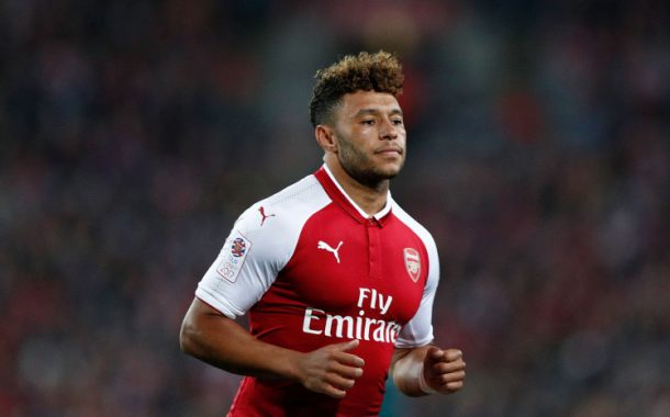Chelsea set to open Alex Oxlade-Chamberlain transfer talks with Arsenal