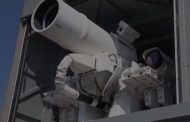 US Navy tests laser weapon that can hit missiles at speed of light