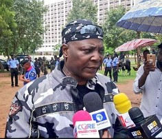 Charly Boy slumps, others wounded as police fire tear gas to disperse  anti-Buhari protesters