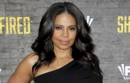 Sanaa Lathan shaves her head bald and she looks gorgeous