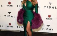 Beyonce rocks on thigh-high slit after twins