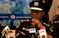 Thousands of policemen, officers protest non-payment of salaries