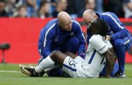 Chelsea wing back hit by hamstring injury, pulled out in team's loss to Crystal Palace