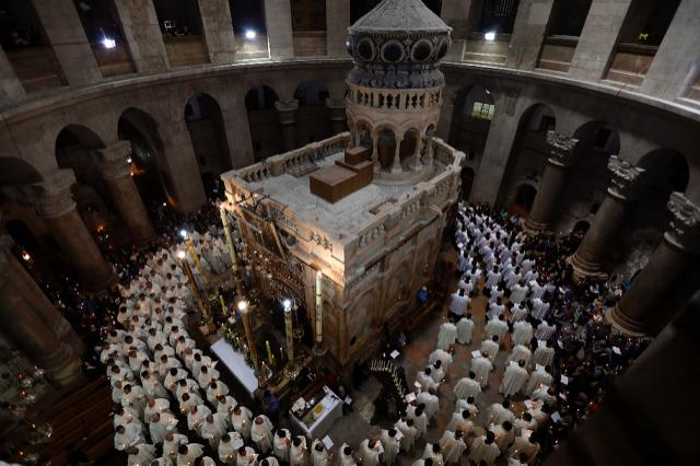 Scientific tests at Jesus's presumed tomb support traditional beliefs surrounding the site