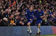 Chelsea close on United after 2-0 victory over Brighton