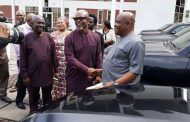 Gov. Wike gives out 16 Sports Utility Vehicles, SUVs to representatives of the State in the National Assembly