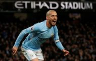 Late goal by Silva extends Manchester City's winning run to 13 games