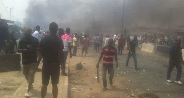 Hoodlums beat up traders, destroy shops in Lagos market