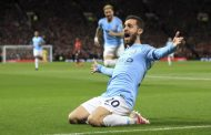 City beat United 2-0, back on top of Premier League