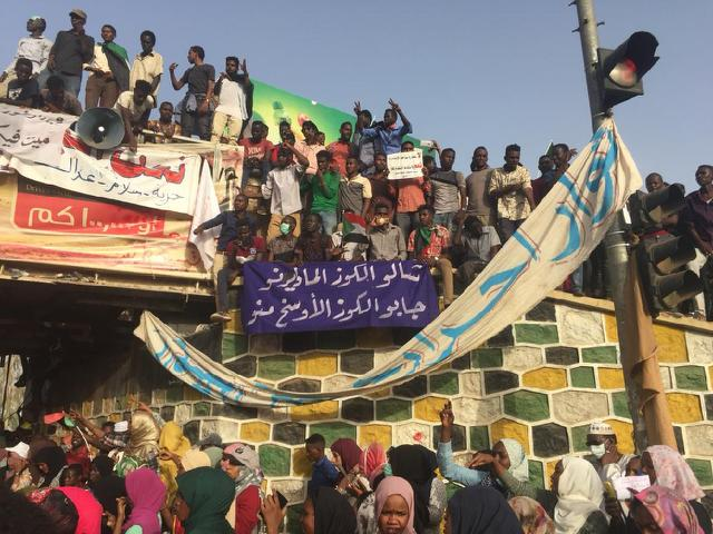 Joy turns to anger for 'hoodwinked' Sudan protesters