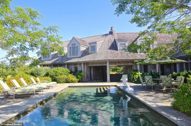 Obamas splash $14.85M in stunning Martha's Vineyard estate