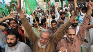 Kashmir dispute: Pakistan suspends trade with India, downgrades ties