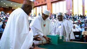 President Buhari presents N10.33 trillion budget to the National Assembly ( Full Text)