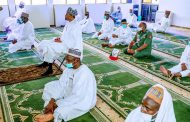 Buhari attends Juma'at prayers at State House mosque for the first time after lockdown
