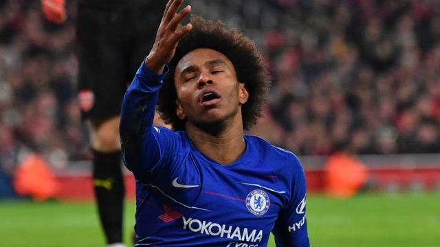 Arsenal handed Willian transfer deadline as Barcelona make offer for Chelsea star