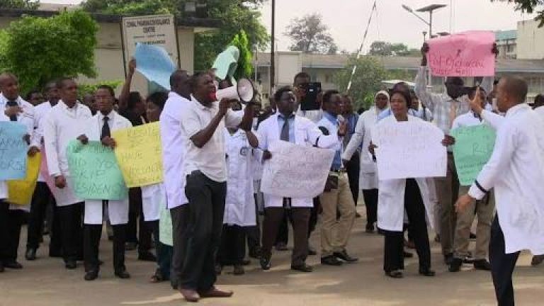 Health workers suspend seven-day nationwide warning strike