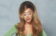 Ariana Grande brings back the '60s in a green go-go style crop top & mini skirt