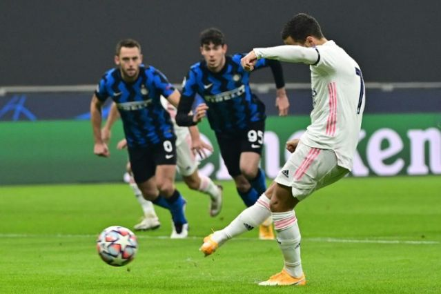 Holders Bayern, Man City through to Champions League last 16