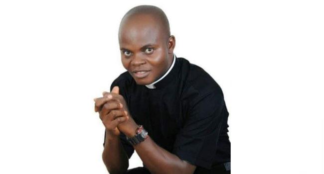 Gunmen kill Catholic priest  along Lambata-Lapai road in Niger State